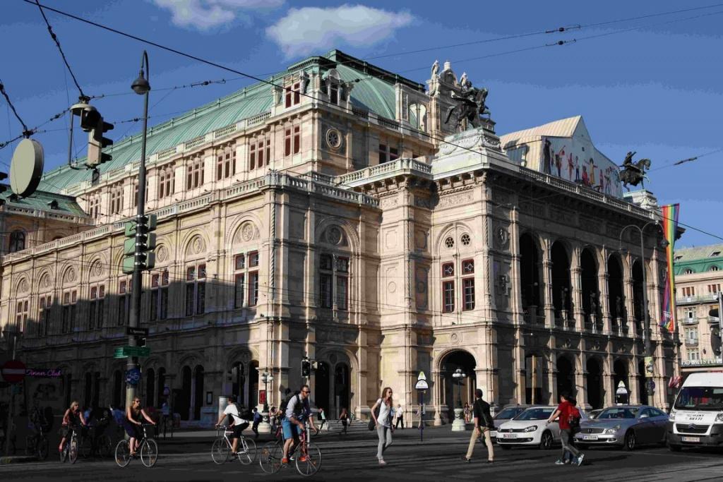 Situé au cœur de la ville, l'opéra de Vienne compte parmi les plus renommés du monde.