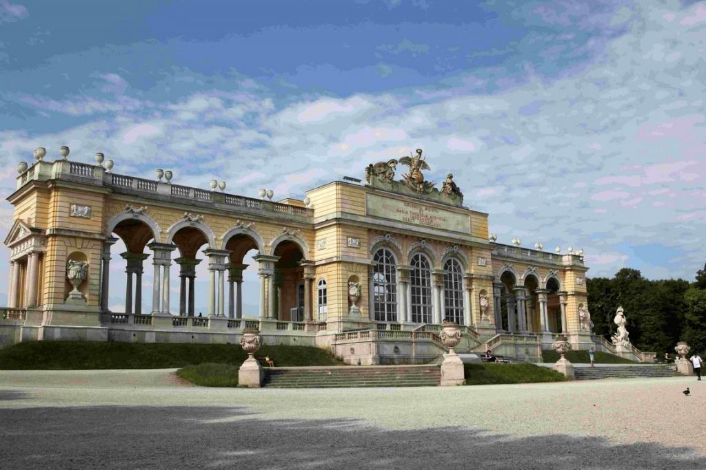 Gloriette du château de Schönbrunn, avec ses arcades néoclassiques.