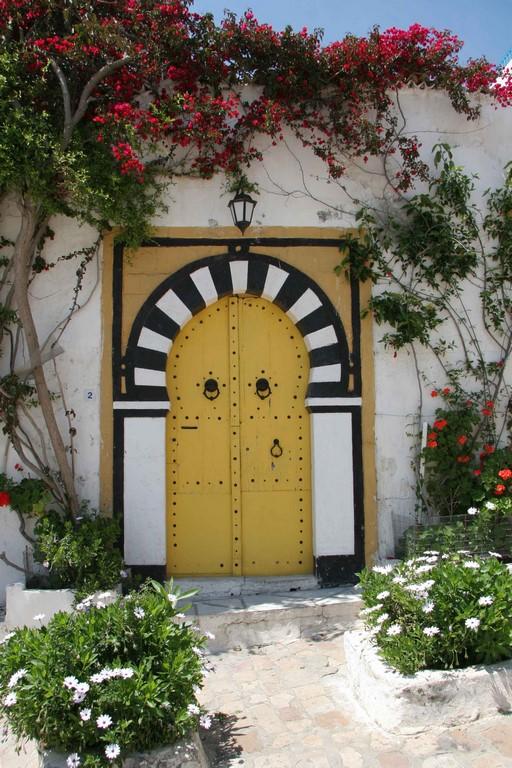 Tunisie sidi bou sa d un havre en bleu et blanc for Decoration porte sidi bou said