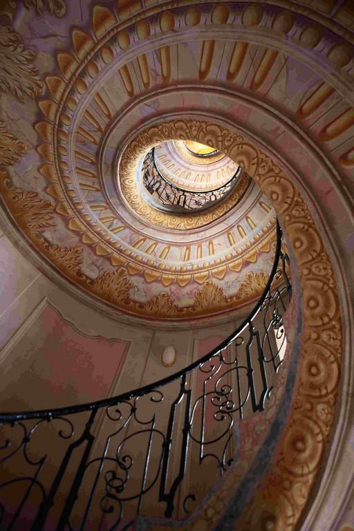 Escalier en colimaçon de l'abbaye de Melk, joyau de l'art baroque.