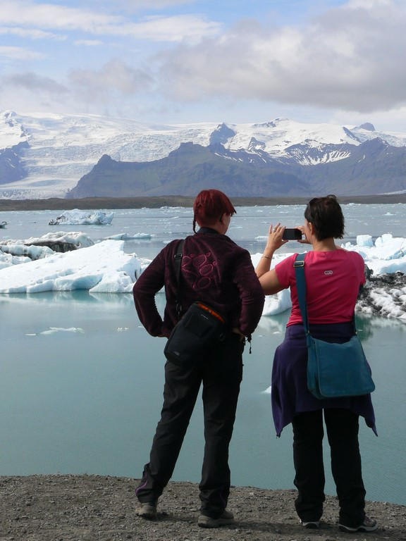 Avec le réchauffement climatique, les blocs de glace ont nettement diminué en taille et en nombre, mais le spectacle est toujours magnifique.