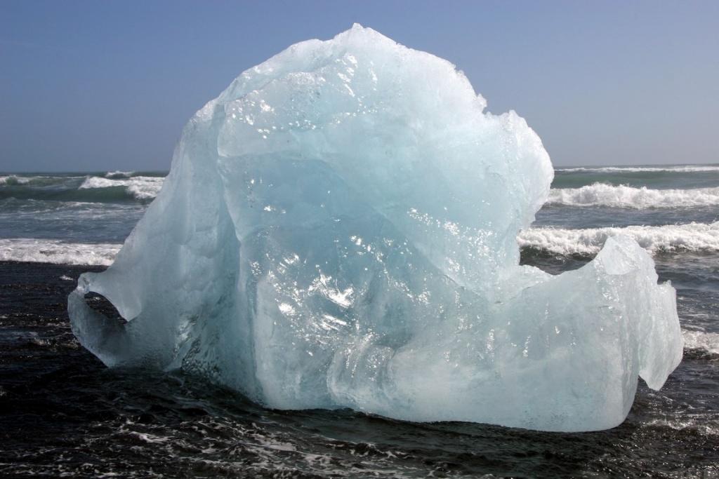 Il y a encore 8 ans, les blocs de glace du Jökulsárlón venaient s'échouer sur la grève.