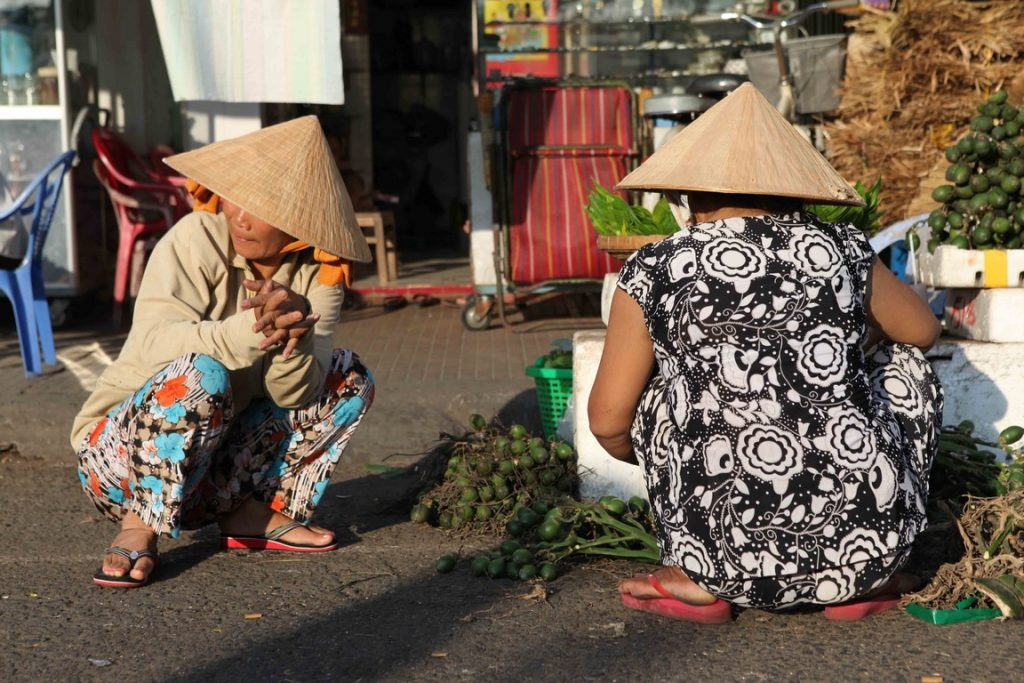 Les excursions quotidiennes sont l'occasion de découvrir les marchés, où les étals abondent de denrées inhabituelles pour nos palais.