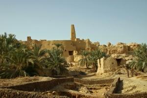 Sur l'acropole d'Aghourmi, se dresse le temple de l'oracle de Jupiter-Amon.