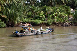 Les commerces sont flottants et se déplacent de maison en maison, de bateau en bateau.