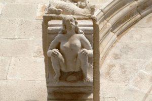 Figure féminine sensée représentée Eve.