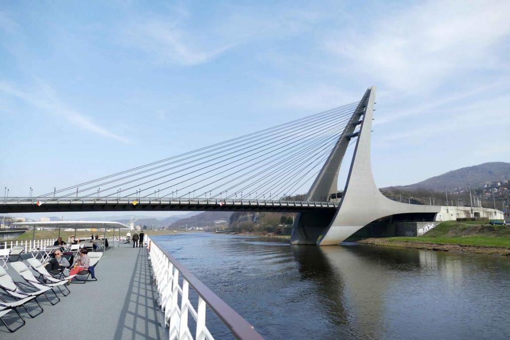 À Ústí Nad Labem, on admire le pont à haubans Mariansky, un pont en acier qui a été construit de 1995 à 1998.