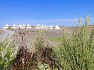 Le resort Dunes by al Nahda jouit d'une vue à 360°.