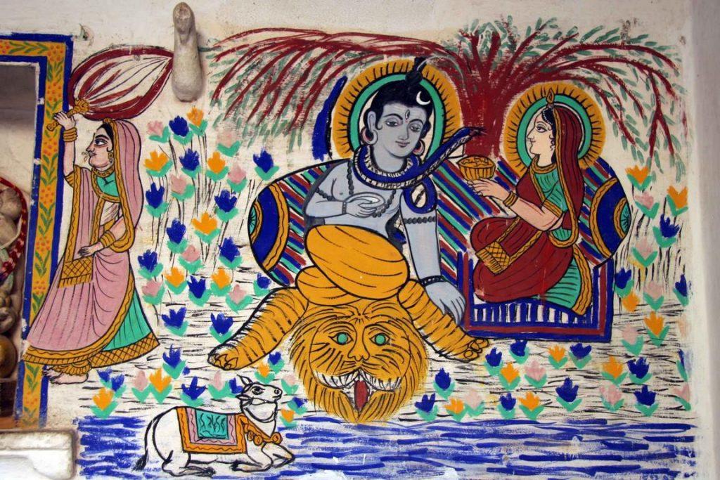 De jolies peintures murales décorent les murs des salles de réception.