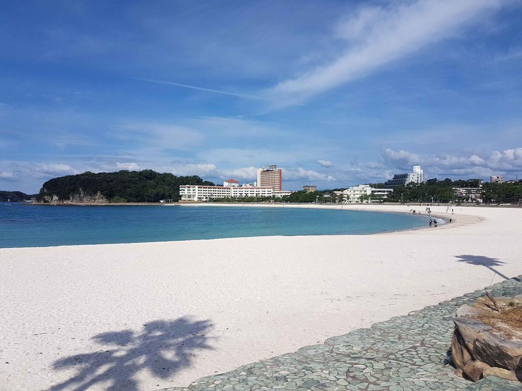 La plage de Shirahama est une des plus réputées du Japon