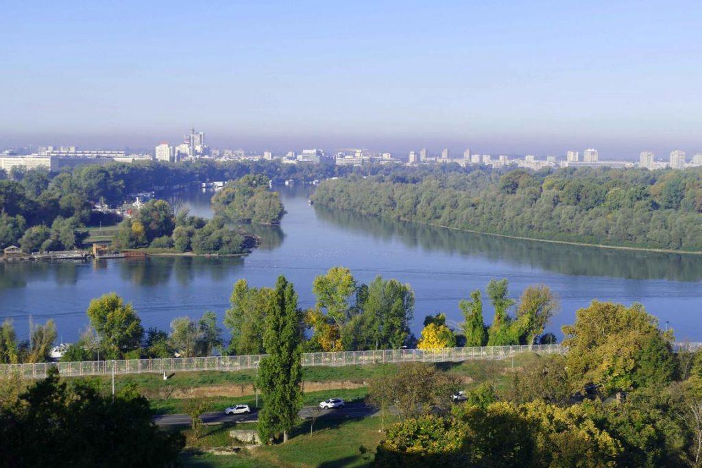 Belgrade est au confluent du Danube et de la Save.