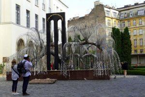 Budapest. Mémorial de l'Holocauste dans le Jardin des Justes.