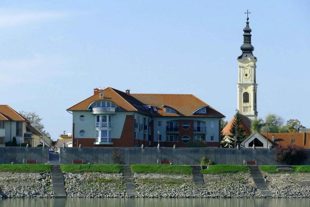 Petie église de Mohacs en Hongrie.