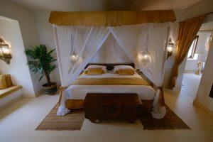 Zanzibar. Baraza resort. Les teintes lait et miel des villas se marient élégamment avec la végétation tropicale.