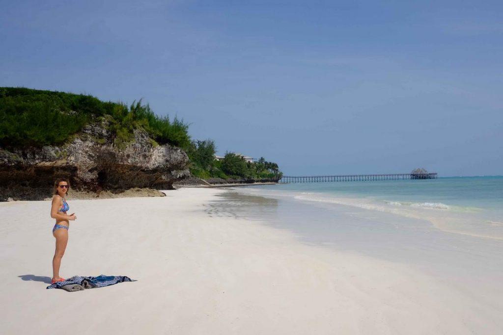 Zanzibar. Hôtel Zawadi. La plage de sable blanc immaculé est exclusivement réservée aux hôtes.