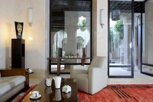 Marrakech. Villa Makassar. Salle de restauration du riad.