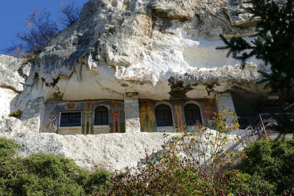 Bulgarie. Monastère rupestre Saint Dimitryi Basarbovski à Basarbovo.
