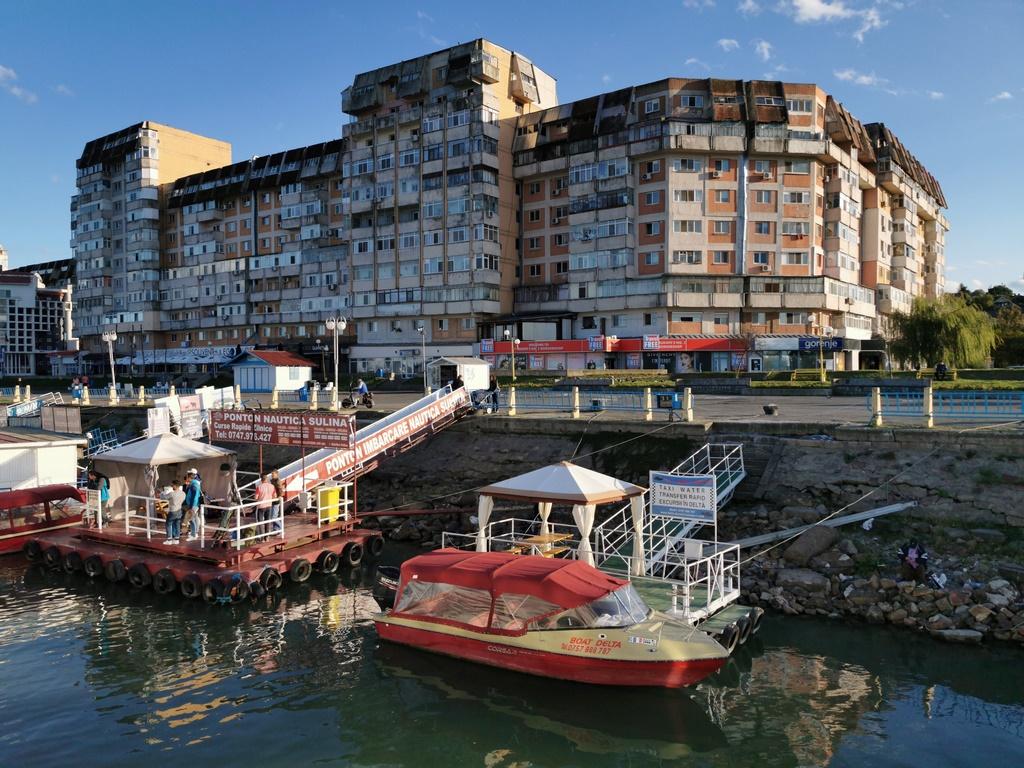 Roumanie. Tulcea. Le port industriel de Tulcea est la porte d'entrée du delta du Danube.