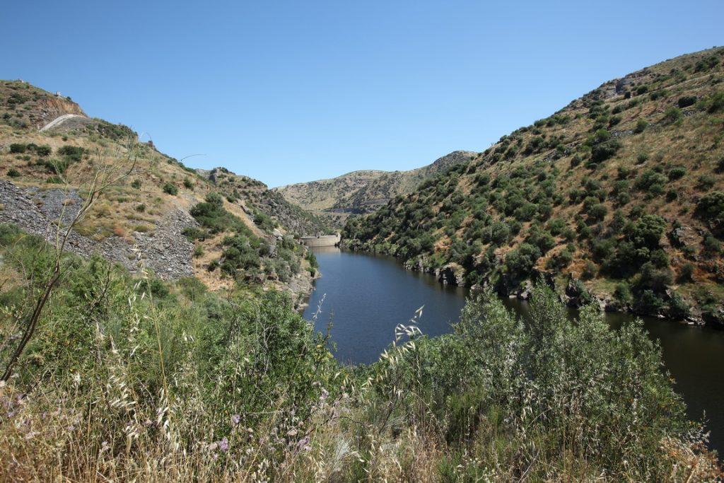 Portugal. Barrage sur la rivière Côa.