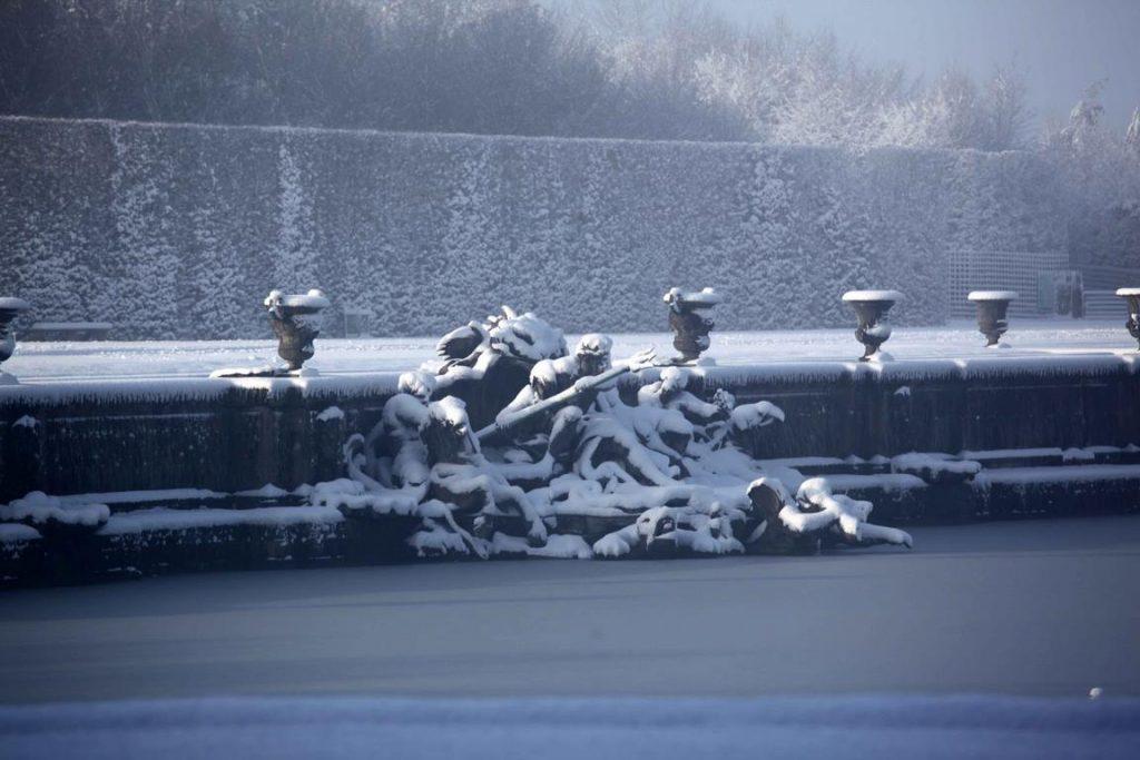 Château de Versailles. Bassin de Neptune. « Triomphe de Neptune et Amphitrite », réalisé par Adam Lambert-Sigisbert sous la direction de Gabriel.