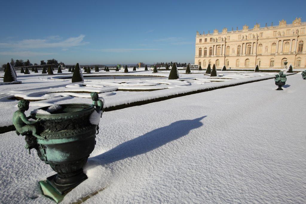 Château de Versailles. Parterre Nord sous la neige.