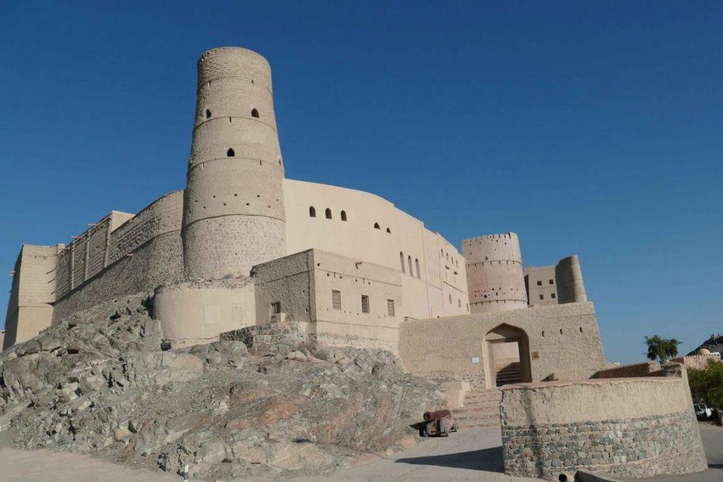 Oman. Fort de Bahla. L'architecture de L'Anantara est inspirée du fort de la ville de Bahla, situé à une soixantaine de kilomètres et classé au patrimoine mondial de l'Unesco.