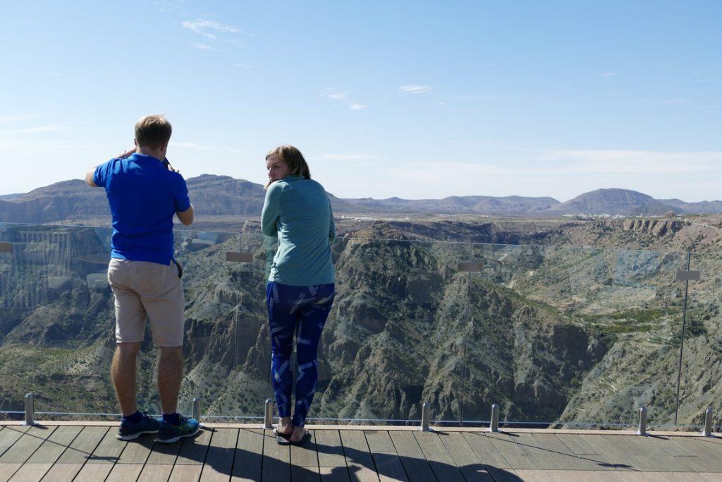 Oman. Anantara Al Jabal Al Akhdar resort. Le Diana's Point offre une vue à 360 ° sur les sommets avoisinants et les gorges du canyon.